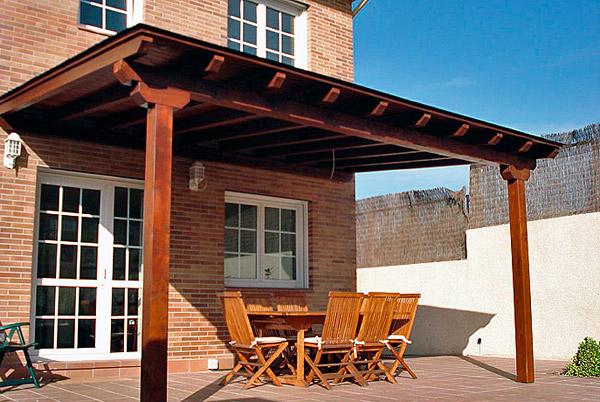 Hacer un porche de madera a partir de una p rgola de madera - Como hacer una pergola de hierro ...